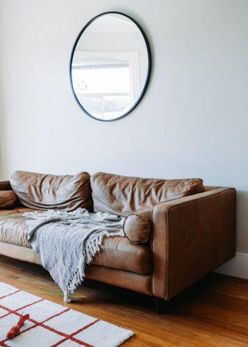 Sofa kulit yang maskulin