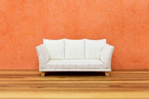 Sofa putih minimalis